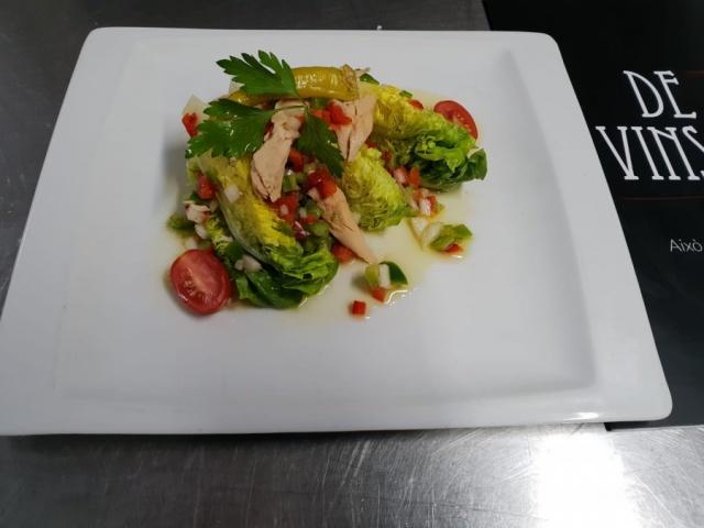 Cobollo de Tudela con Neiva canutera y vinagreta de hortalizas
